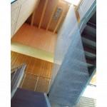 bureaux-basse-consommation-escalier-metal-tisse